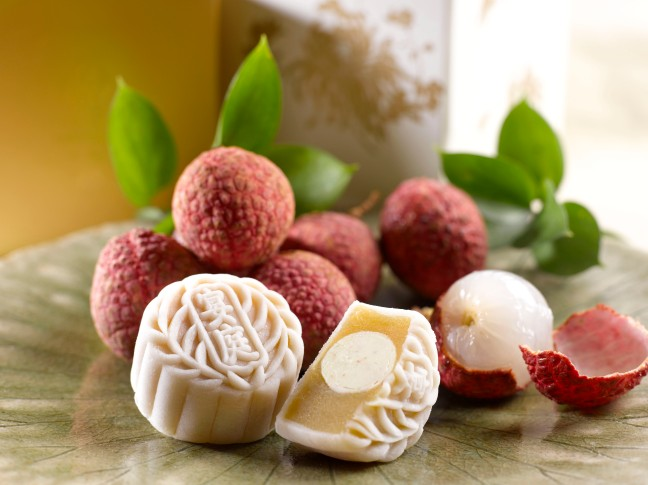 White Lotus Paste with Lychee Martini Truffle